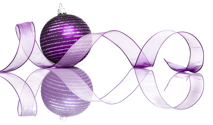 Purple bauble - Christmas taxis www.wrexhamandprestigetaxis.co.uk